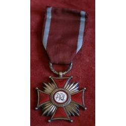 Złoty Krzyż Zasługi PRL