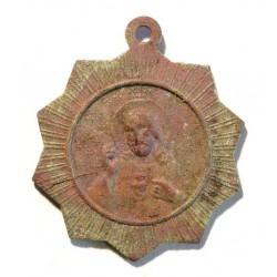 Medalik z końca XIX lub początku XX wieku.